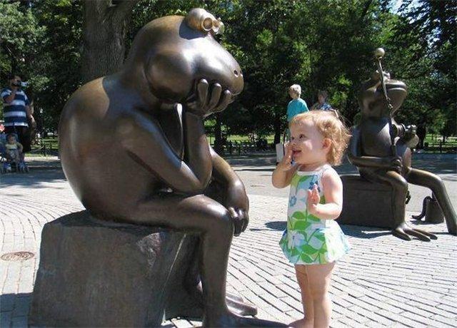 скульптура Жабка мыслитель