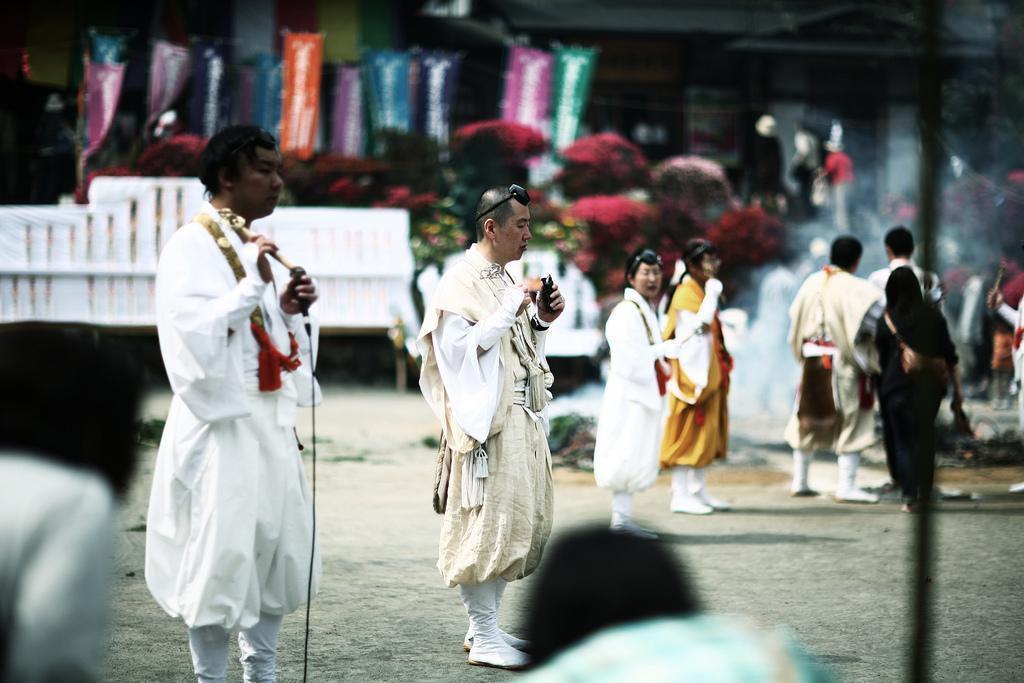 Фестиваль азалий в городе Татэбаяси