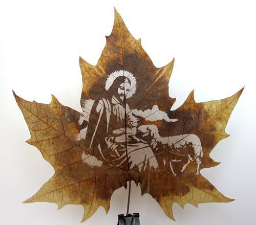 Работа мастеров с листьями по–настоящему ювелирная