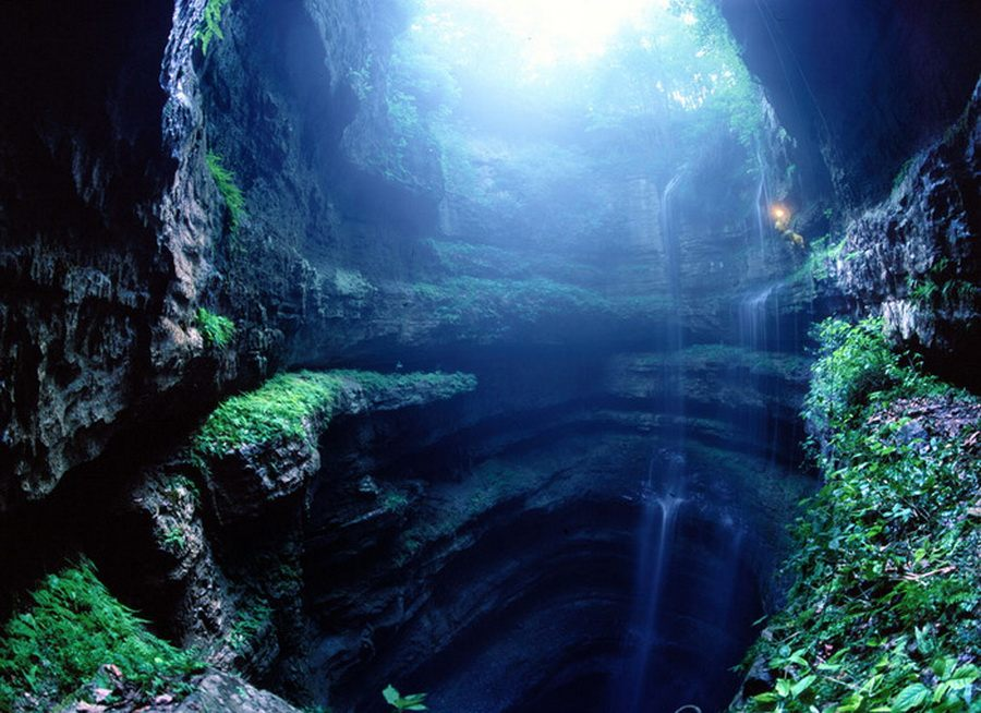 Пещера Ласточек в Мексике (Sotano de las Golondrinas)