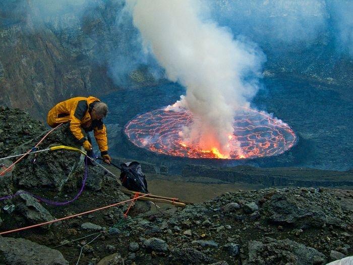 Вулкан Нийрагонго (Nyiragongo)