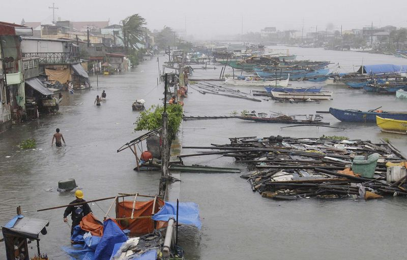 Картинки по запросу тайфун «Несат»