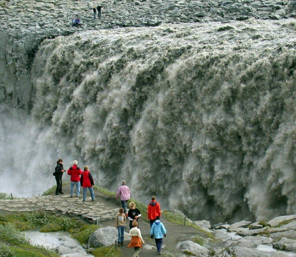 Водопад Деттифосс (Dettifoss) — самый мощный в Европе