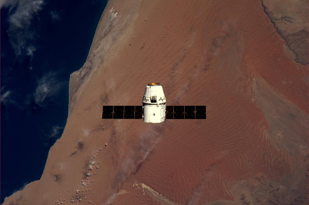Как проходила стыковка Dragon с МКС