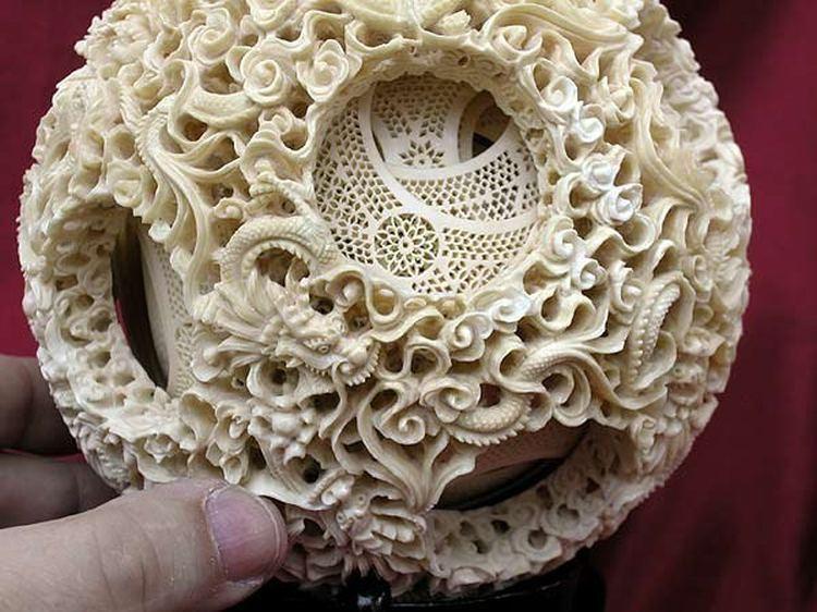 Китайское мастерство ажурной резьбы по кости