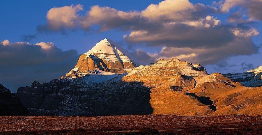 Четырёхгранная гора Кайлас, КНР
