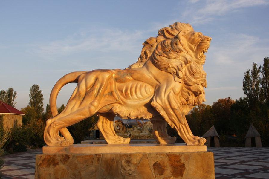 Уникальный парк львов в Крыму
