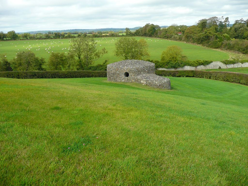 Ньюгрейндж, или Ши-ан-Вру - загадочное культовое сооружение в Ирландии