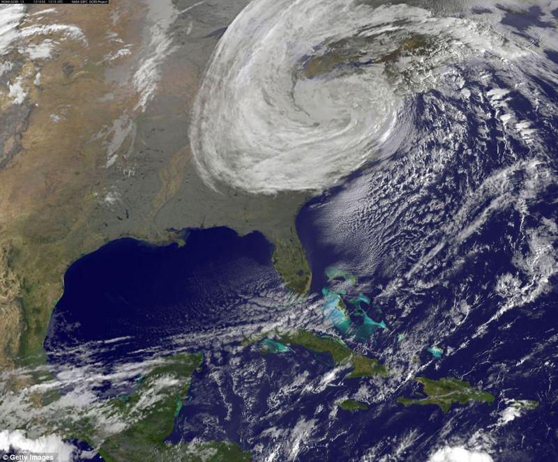 Ураган Сэнди обрушился на восточное побережье США