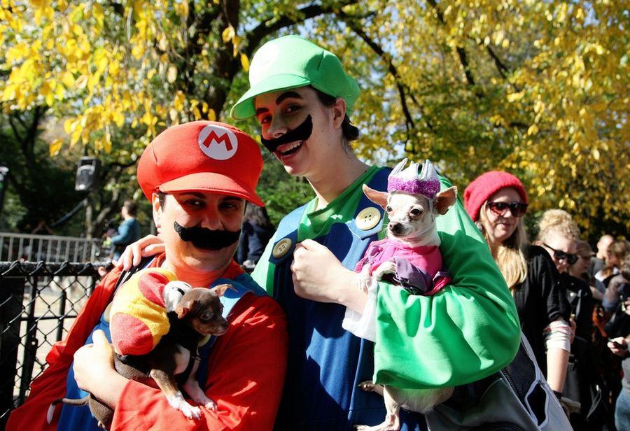 Костюмированный парад собак на Томпкинс-сквер