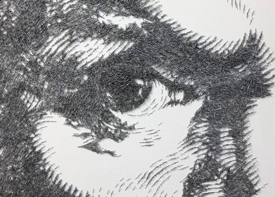 Необычные картины из металлических скоб для степлера