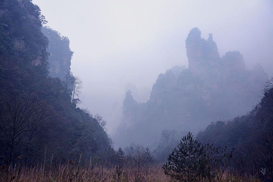 Хуаншань (Huangshan, буквально: «Желтые горы»)