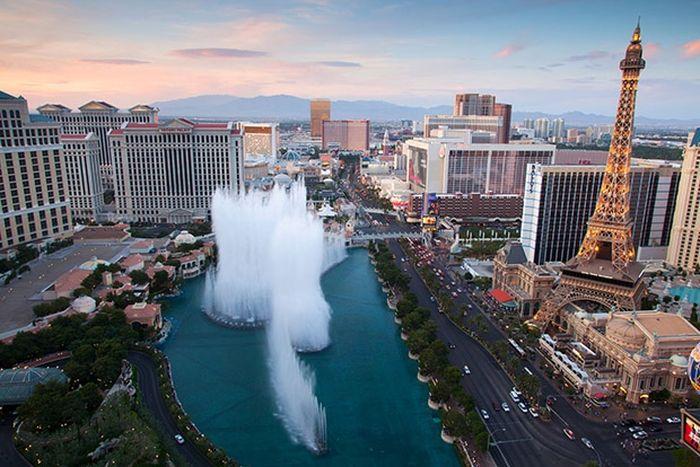 Десять самых удивительных фонтанов мира