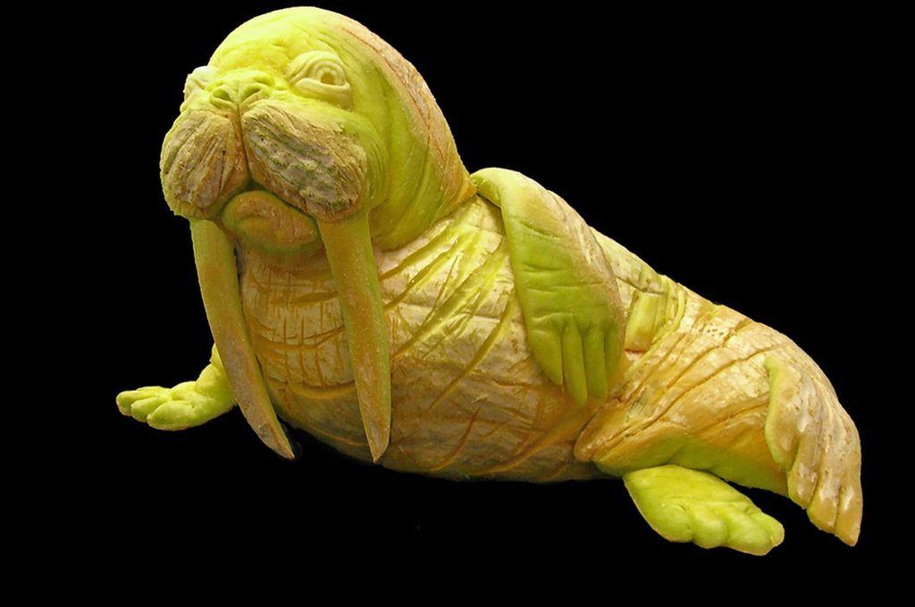 Удивительные скульптуры из тыквы Сью Беатрис