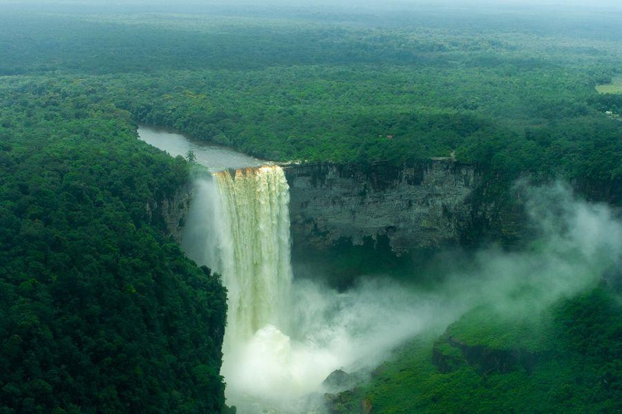 Водопад Кайетур (Kaieteur Falls)