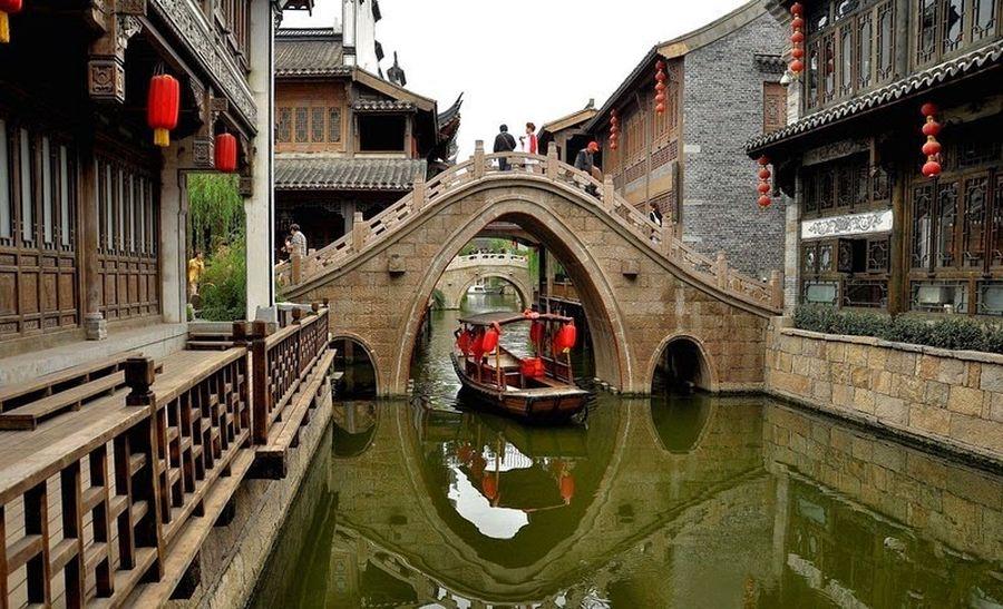 1800-километровый вырытый вручную Гранд-канал Китая
