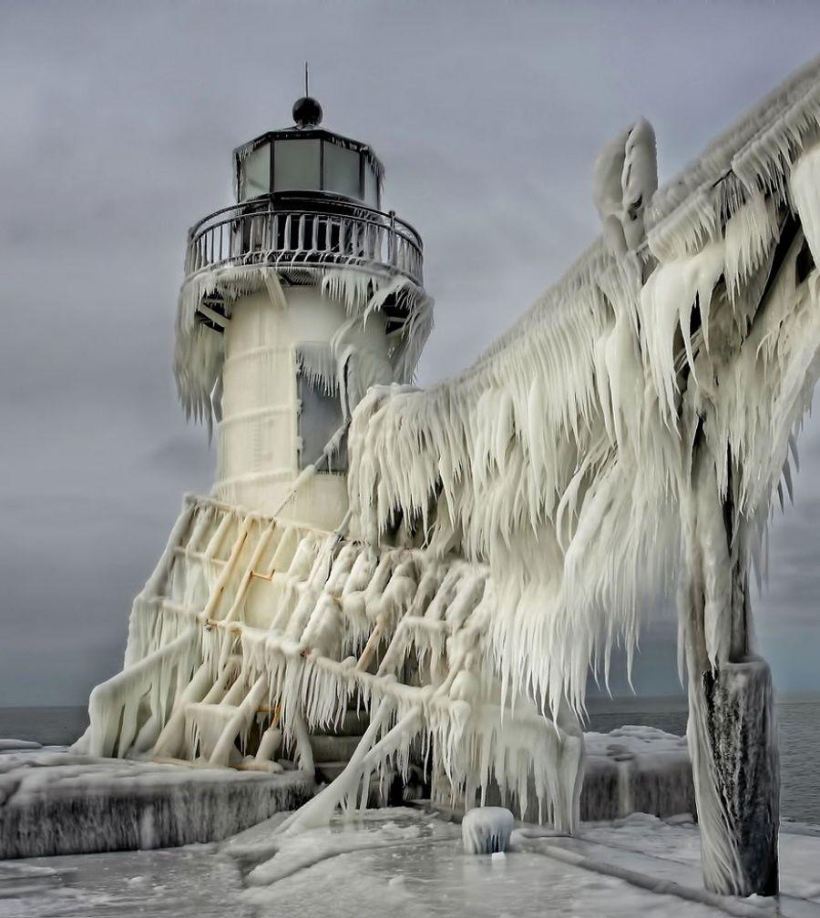 Ледяные скульптуры, созданные матушкой природой