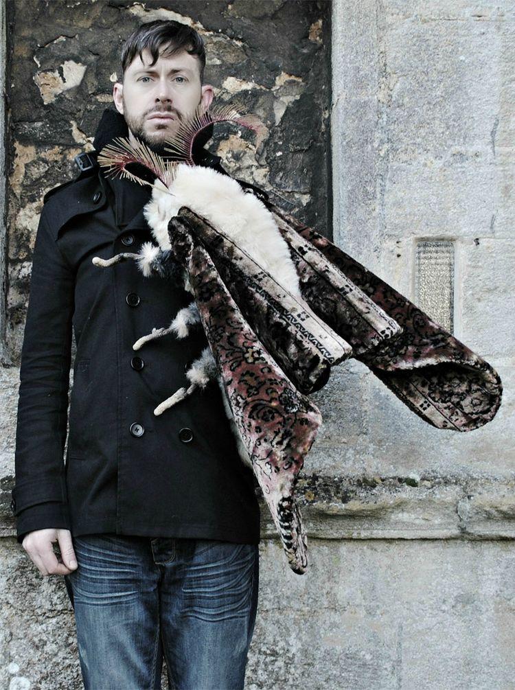 Псевдореалистичные животные и насекомые из текстиля художника Мистера Финча