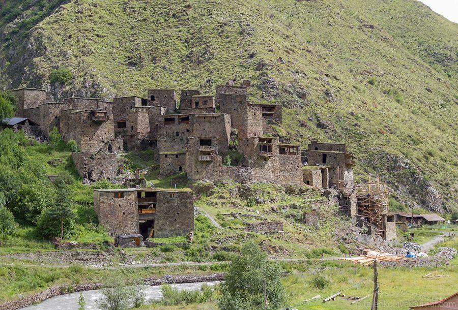Шатили. Всего 2,5 км от границы с Чечней