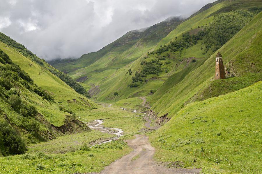 Кистани. По дороге на перевал 2 700 метров