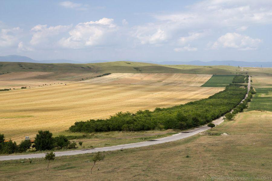 Вблизи границы с Азербайджаном вот такие пейзажи