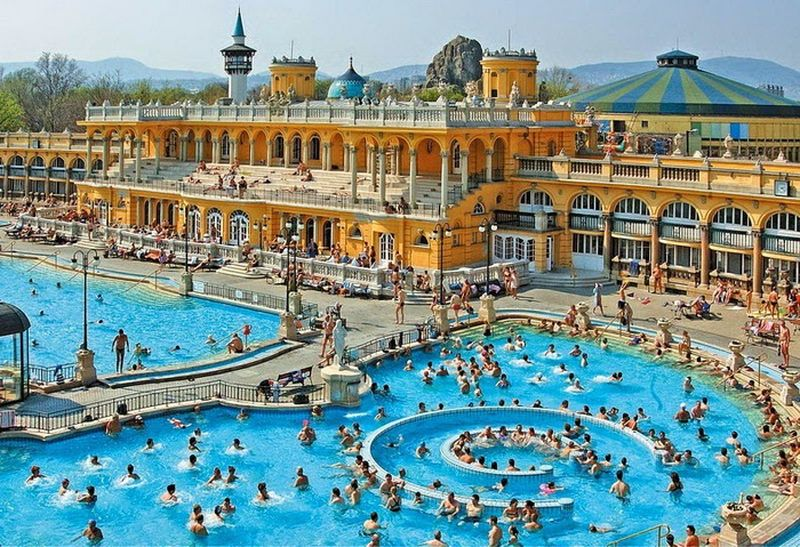 Термальная купальня Сечени в Будапеште